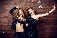Χορεύοντας κορίτσια κομμάτων στοκ εικόνες