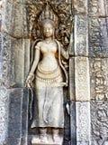 Χορεύοντας κορίτσι Apsara που χαράζεται στον τοίχο του ναού σε Cambodi Στοκ Εικόνες