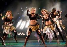 χορεύοντας ομάδα παιδιών belka μη αναγνωρισμένη στοκ φωτογραφία με δικαίωμα ελεύθερης χρήσης