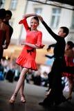 Χορεύοντας παιδιά στη σκηνή Στοκ εικόνες με δικαίωμα ελεύθερης χρήσης