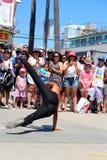 Χορεύοντας πλήρωμα οδών στην παραλία Καλιφόρνια της Βενετίας Στοκ φωτογραφία με δικαίωμα ελεύθερης χρήσης