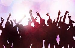 Χορεύοντας σκιαγραφίες ανθρώπων Στοκ Εικόνες