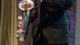 Χορεύοντας saxophonist απόθεμα βίντεο