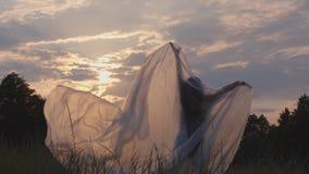Χορογραφία στο πλαστικό φύλλο αλουμινίου απόθεμα βίντεο