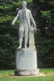 Χορτοτάπητας τέφρας, λόγοι του Προέδρου James Monroe με το άγαλμα, Charlottesville, Βιρτζίνια Στοκ Φωτογραφία