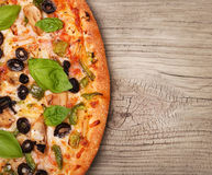 Χορτοφάγος πίτσα με τα λαχανικά Στοκ εικόνα με δικαίωμα ελεύθερης χρήσης