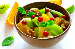 χορτοφάγος σαλάτας πορσελάνης πορτοκαλιών σταφυλιών καρπού τροφίμων Στοκ Φωτογραφίες