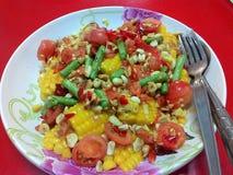 χορτοφάγος σαλάτας πορσελάνης πορτοκαλιών σταφυλιών καρπού τροφίμων Στοκ Εικόνες