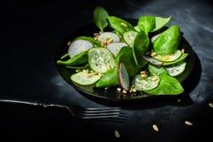 Χορτοφάγος σαλάτα μιγμάτων άνοιξη Στοκ Φωτογραφία