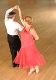 Χορός αιθουσών χορού ζεύγους Στοκ φωτογραφίες με δικαίωμα ελεύθερης χρήσης
