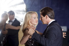 Χορός αιθουσών χορού ζεύγους Στοκ Φωτογραφία