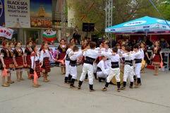 Χορός λαογραφίας παιδιών Στοκ φωτογραφίες με δικαίωμα ελεύθερης χρήσης