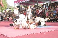 Χορός εκατοντάδων που οργανώνεται σε Sukoharjo στοκ φωτογραφίες