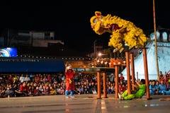 Χορός λιονταριών για το κινεζικό νέο έτος Στοκ φωτογραφία με δικαίωμα ελεύθερης χρήσης