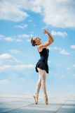 Χορός μπαλέτου υπαίθριος στοκ εικόνες με δικαίωμα ελεύθερης χρήσης