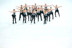 Χορός μπούμερανγκ ομάδας Στοκ φωτογραφίες με δικαίωμα ελεύθερης χρήσης