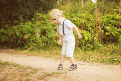 Χορός παιδιών στο δάσος Στοκ φωτογραφίες με δικαίωμα ελεύθερης χρήσης