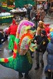 Χορός δραστών οδών και απλών ανθρώπων στην οδό Στοκ Εικόνες