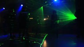 Χορός disco ανθρώπων απόθεμα βίντεο