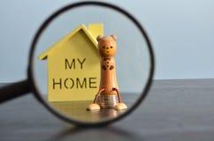 Χρήματα αποταμίευσης για ένα σπίτι Στοκ Εικόνες
