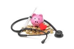 Χρήματα αποταμίευσης για την υγειονομική περίθαλψη στοκ εικόνες