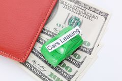 Χρήματα αυτοκινήτων με το σημάδι - μίσθωση αυτοκινήτων Πληρωμές και δαπάνες στοκ φωτογραφίες με δικαίωμα ελεύθερης χρήσης