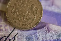 Χρήματα για τα πορτοφόλια £ 20 στοκ εικόνα