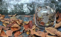 χρήματα γυαλιού Στοκ εικόνες με δικαίωμα ελεύθερης χρήσης