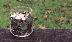 χρήματα γυαλιού Στοκ φωτογραφίες με δικαίωμα ελεύθερης χρήσης