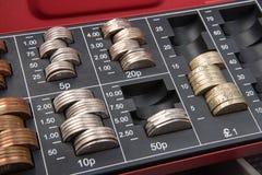 Χρήματα λιρών αγγλίας στο χρηματοκιβώτιο Στοκ Φωτογραφίες