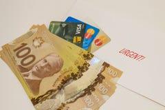 Χρήματα και πιστωτικές κάρτες Στοκ εικόνες με δικαίωμα ελεύθερης χρήσης