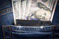 Χρήματα και πορτοφόλι στην τσέπη μπλε Jean Στοκ Φωτογραφία
