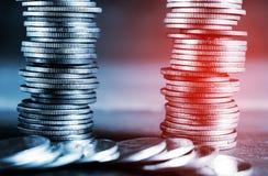 Χρήματα και τραπεζικές εργασίες αποταμίευσης για την έννοια χρηματοδότησης Στοκ Εικόνες