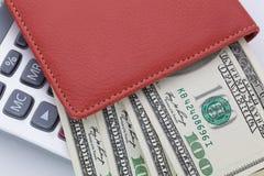 Χρήματα και υπολογιστής Πληρωμές και δαπάνες στοκ εικόνες