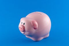 χρήματα κιβωτίων τραπεζών piggy Στοκ Εικόνες
