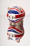 χρήματα κιβωτίων τραπεζών piggy Στοκ φωτογραφίες με δικαίωμα ελεύθερης χρήσης