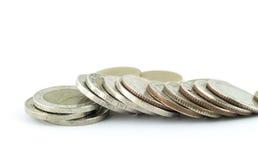Χρήματα νομισμάτων της Ταϊλάνδης σε ένα άσπρο υπόβαθρο Στοκ Φωτογραφίες