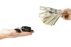 χρήματα πλήκτρων χεριών αυτοκινήτων Στοκ Εικόνα
