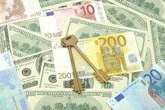 χρήματα πλήκτρων Στοκ Φωτογραφία