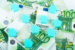 χρήματα σπιτιών ανασκόπηση&sigmaf Στοκ Φωτογραφία