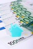 χρήματα σπιτιών ανασκόπηση&sigmaf Στοκ Εικόνες