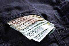Χρήματα στα τζιν τσεπών σας Στοκ Φωτογραφίες