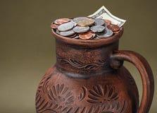 Χρήματα στο βάζο Στοκ φωτογραφίες με δικαίωμα ελεύθερης χρήσης