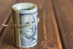 Χρήματα στο γραφείο Στοκ εικόνες με δικαίωμα ελεύθερης χρήσης