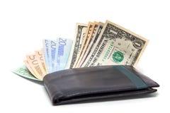 Χρήματα στο φάκελο Στοκ φωτογραφία με δικαίωμα ελεύθερης χρήσης