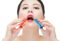 Χρήσης καλλυντικό υγρό φαρμάκων χημείας κατανάλωσης makeup ίσο Στοκ εικόνα με δικαίωμα ελεύθερης χρήσης