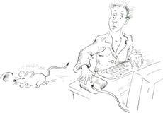 Χρήστης υπολογιστών που εξετάζει το ποντίκι που τρέχει μακριά Στοκ Εικόνες