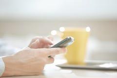Χρήστης Smartphone στοκ εικόνες με δικαίωμα ελεύθερης χρήσης