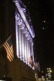 Χρηματιστήριο Αξιών της Νέας Υόρκης τή νύχτα στοκ εικόνες