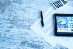 Χρηματιστήριο που ανταλλάσσει app σε ένα PC ταμπλετών στοκ φωτογραφίες